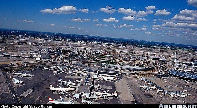 airlinersnetphotoid098011.jpg