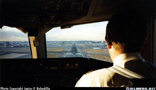 airlinersnetphotoid308972.jpg